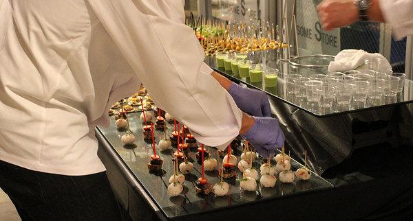 ケータリングは東京のパーティーで出張調理も含めたサービスを提供する【Food Sherpa】にお任せ